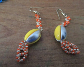 Original strip grey, orange earings.