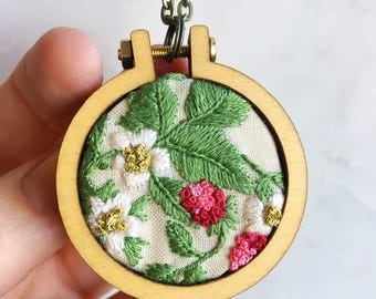 Strawberry Embroidery Hoop Necklace, embroidered Pendant, strawberry charm, gift for her, embroidered necklace, berry necklace
