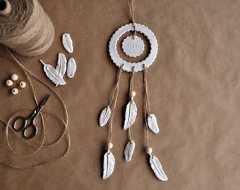 Dreamcatcher Dream, clay vegan feathers, wooden beads, vegan dreamcatcher, wallhanging feathers, white bedroom deco, nursery dreamcatcher