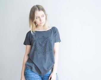 FREE DELIVERY! / Loose women Mandala T-Shirt for Good Decisions / Dark grey Mandala Shirt / Sacred Mandala Shirt / Mandala Top / Mandala Tee