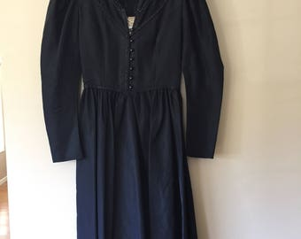 Vintage 1970s Gunne Sax by Jessica Black Taffeta Goth Peasant Dress with Lace and Sequin Details size 7