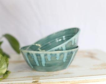 Handmade Green Pottery Bowl/Green Pottery Bowl/Pottery Serving Bowl/Stoneware Bowl/Green Handmade Bowl/Kitchen Accent Dish/Cereal Bowl