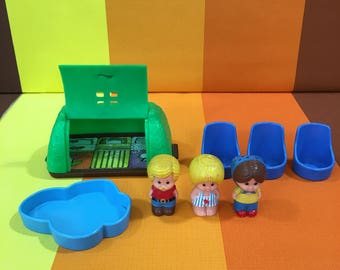 Vintage Tree Tots Treehouse The Magnific Garden Figures 80s Kenner Tent Chairs Pool Toys Mom Dad Son