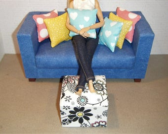 1:6 Scale Furniture Pouf and 6 Pillows - Barbie Momoko Blythe Pullip Fashion Dolls - Living Room Diorama - Coloring Book