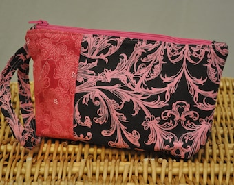 Mini clutch (chocolate and pink fleur de lis)