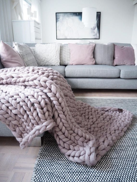 Chunky knit blanket giant yarn throw wrap arm knit from for How to make a big chunky knit blanket