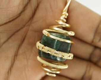Green Jade Cube Chakra Gold Copper Pendant Necklace Wire Wrap