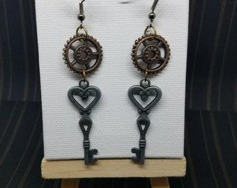 Gears - Vintage key - tik tok - steampunk jewelry