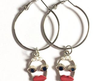 30mm Antique Face Hoops