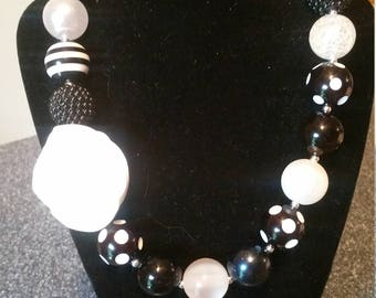 Black and White, Chunky Bead Necklace, Bubblegum Bead