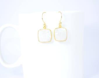 moonstone earring,white color earring ,gemstone earring,moonstone dangle earring,gold plating earring,rainbow earring,mothers day gift