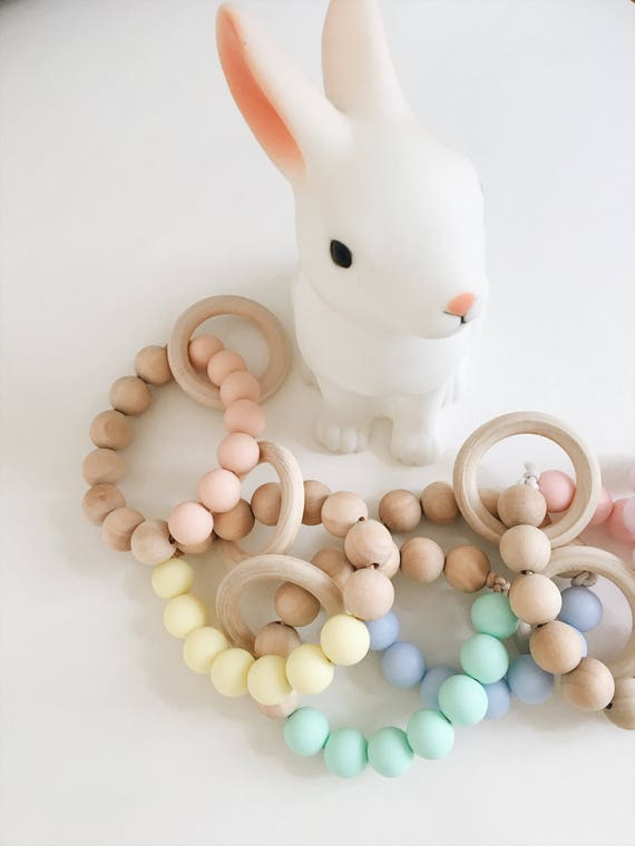 Teether - wooden beads and silicone - workshop me