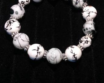 Beautiful swirl bracelet