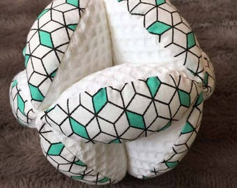 Ball claim Montessori green graphic print