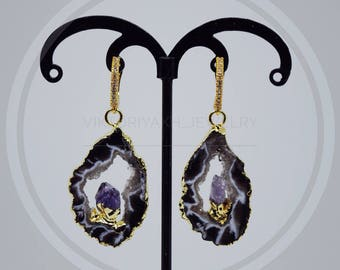 Natural stone earrings with a natural stone suspension