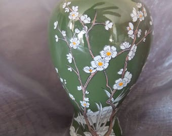 Vintage Franklin Mint Treasures of the Imperial Dynasty Green Plum Blossom Mini Vase