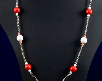 Red and white beaded chain necklace
