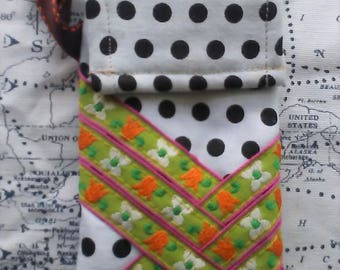 Small Clip Pouch - Vintage Floral and Polka Dots