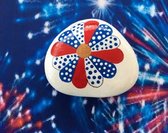 Patriotic Daisy Hand Painted Rock-  Labor Day, Memorial Day, Veterans Day, 4th of July (patrflower1)