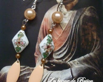 Li Ming - style Chinese salmon, white and green earrings full of sweetness and elegance