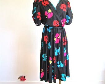 S M 70s 80s Dress Bold Pop Flowers Red Blue Pink Black Ruched Sleeves Full Skirt Office Disco Secretary Small Medium