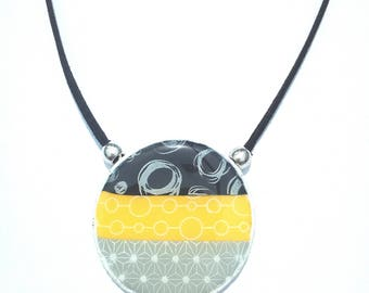 Choker necklace in polymer clay black, yellow and gray with white print (Fimo, cernit, Sculpey, Premo)