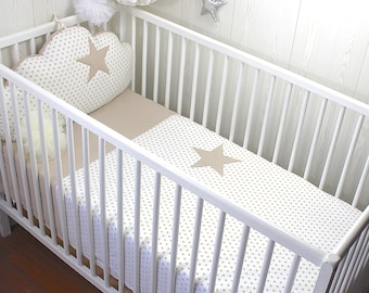 Quilt cover for a baby's cot, white with beige stars and beige