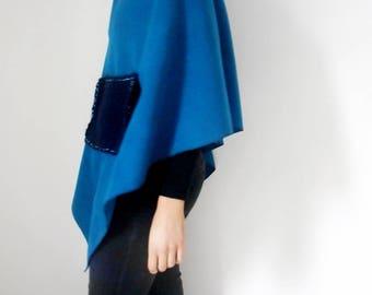 Fleece asymmetrical Poncho with pocket in wool