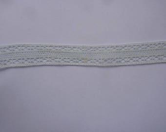 2 m in-between blue pale 2 cm wide
