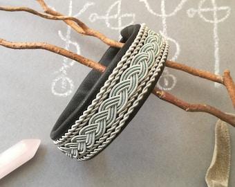 Black leather Black Seidr Sami bracelet, pewter silver 5 rows