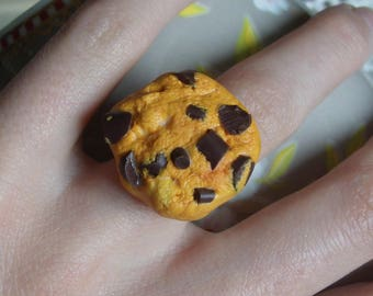 Ring with realistic chocolate chip, dessert jewelry nature cookie greedy kawaii food sculpture.