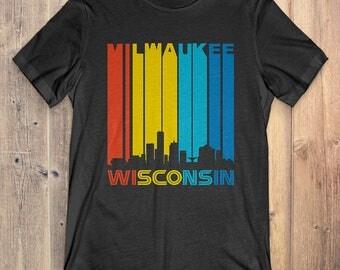 Retro 1970's Style Milwaukee Wisconsin Skyline Vintage T-Shirt