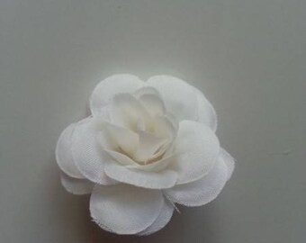 fleur  en tissu blanc /ivoire   40mm