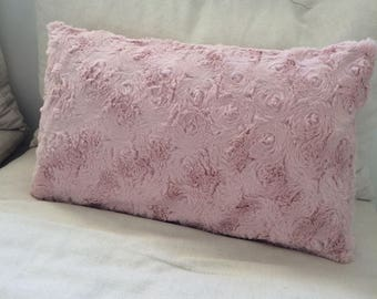 Pillow cover faux fur pink pale rectangle with closure