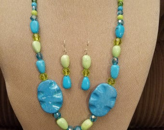 Turquoise and green beaded necklace set