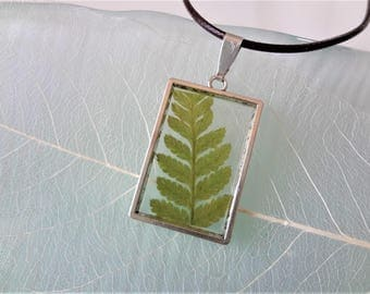 Real fern in resin pendant Green fern necklace Fern frame Fern jewelry resin Fern forest necklace Nature jewelry forest pendant real leaf