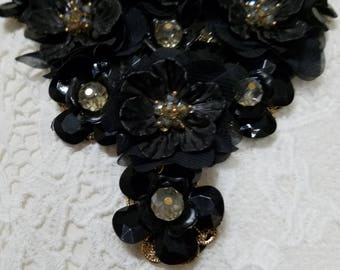 Black Elegant Fashion Flower Necklace