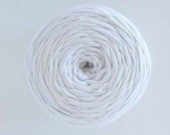T-Shirt yarn, cotton cord, off white t-shirt yarn, Necklaces Bracelets, home decor, upcycled yarn, chunky yarn, tee shirt yarn,trapillo yarn