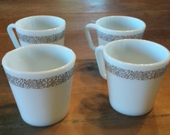 PYREX, Woodland, 4 Vintage, Brown, D handle, Coffee mugs, Tea Cups, in Milk glass, in great condition
