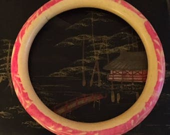 Celluloid Slave Bangle 1920/30s with red leaf and bird pattern