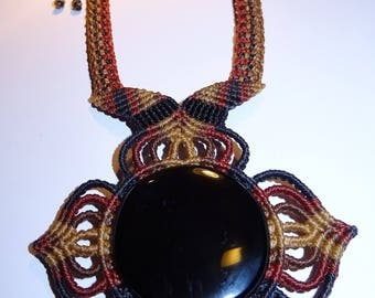Hand knotted necklace, clover collar Macrame with obsidian from Mexico
