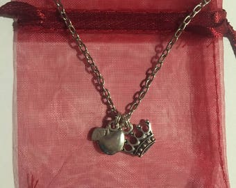 Once Upon A Time Regina Mills Apple and Crown Pendant Charm Necklace Evil Regal