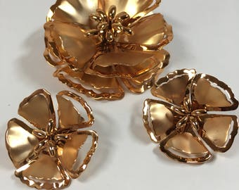Vintage copper tone brooch and clip-on earring set