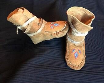 Leather Beaded Design Girls Moccasins - Size 7 - Lakota Sioux Handmade