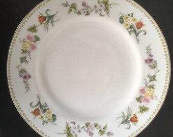 Wedgwood Mirabelle R4537 Bone China Dinner Plate Floral Rim England