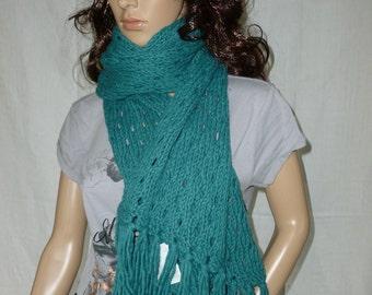 Beautiful scarf in lace pattern