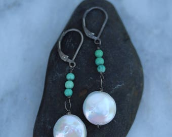 Earrings : Sterling silver, white coin pearl, Turquoise