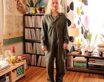 mens vintage Key coveralls, army green mechanic work wear . APPROX size 42 short, made in USA