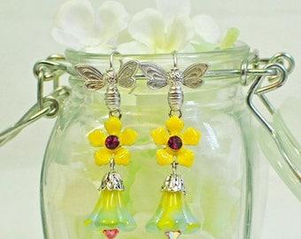 Flower Earrings Bee Happy - Yellow Flower Earrings - Bee Earrings - Blue Flower Earrings - Gift for Her - Earrings Gift - Handmade Earrings