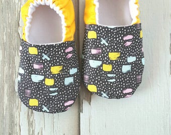 Brush Stokes Baby Shoes / Baby Moccasins / Baby Moccs / Vegan Moccs / Vegan Moccasins / Soft Soled Shoes / Waldorf / Montessori